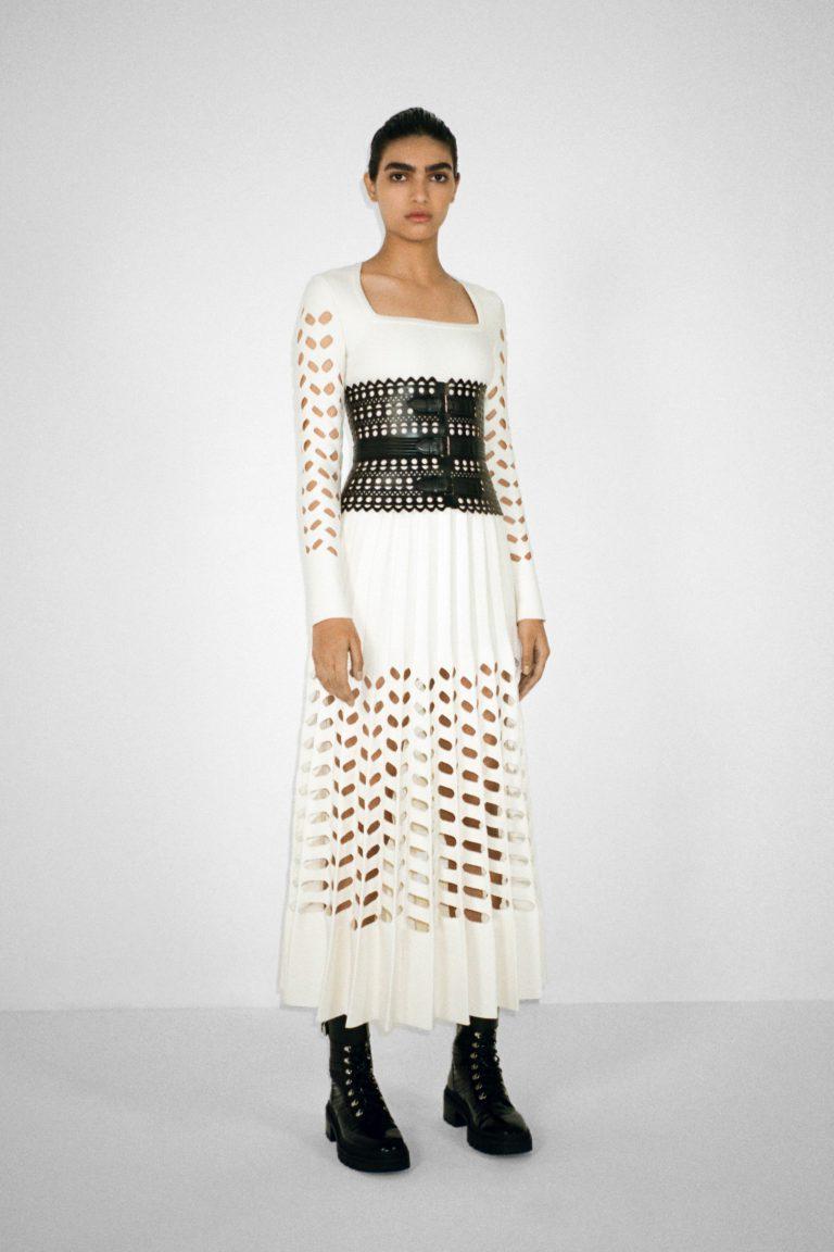 00001-alaia-couture-fall-21-credit-pierre-ange-carlotti